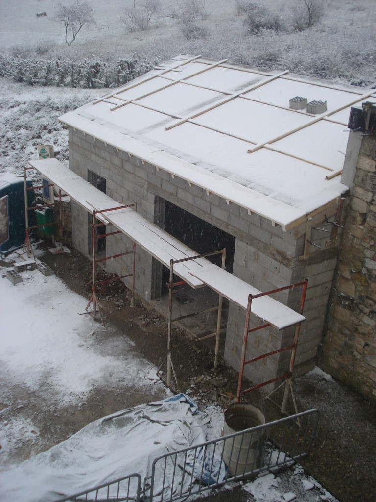 Couverture du local en novembre 2010